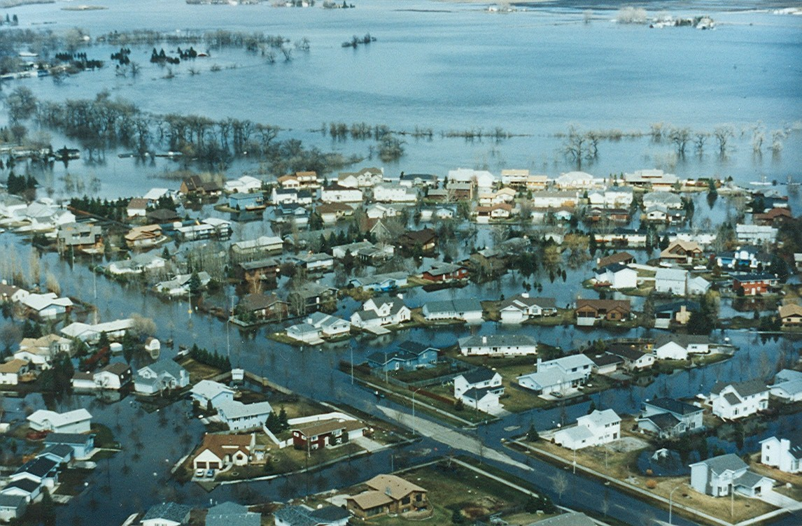 Red River 1997 flood 05.jpg