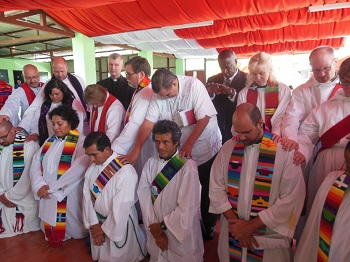 Deal-ordination-Costa Rica_12-24-13.jpg